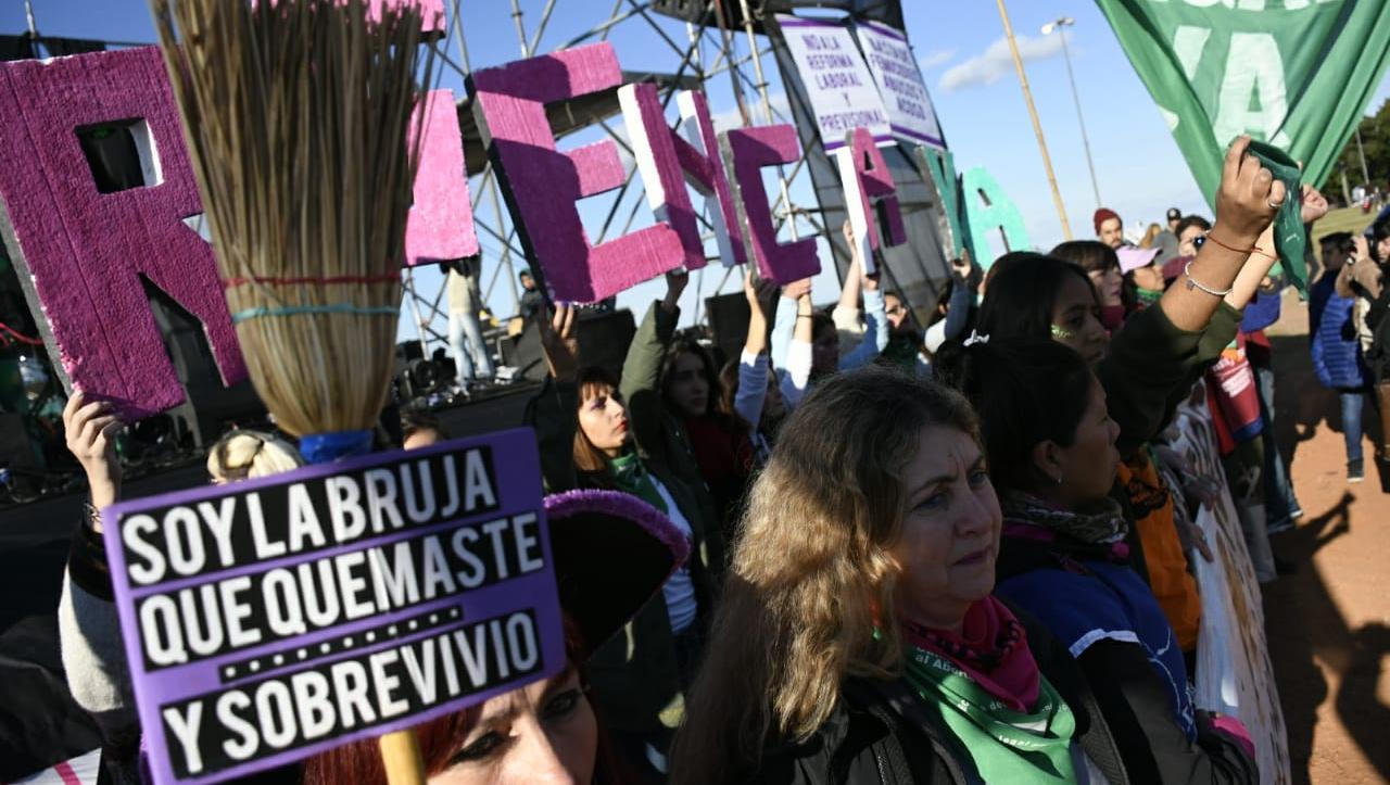 Nuevo y masivo reclamo de mujeres en Rosario (Rosarioplus.com)