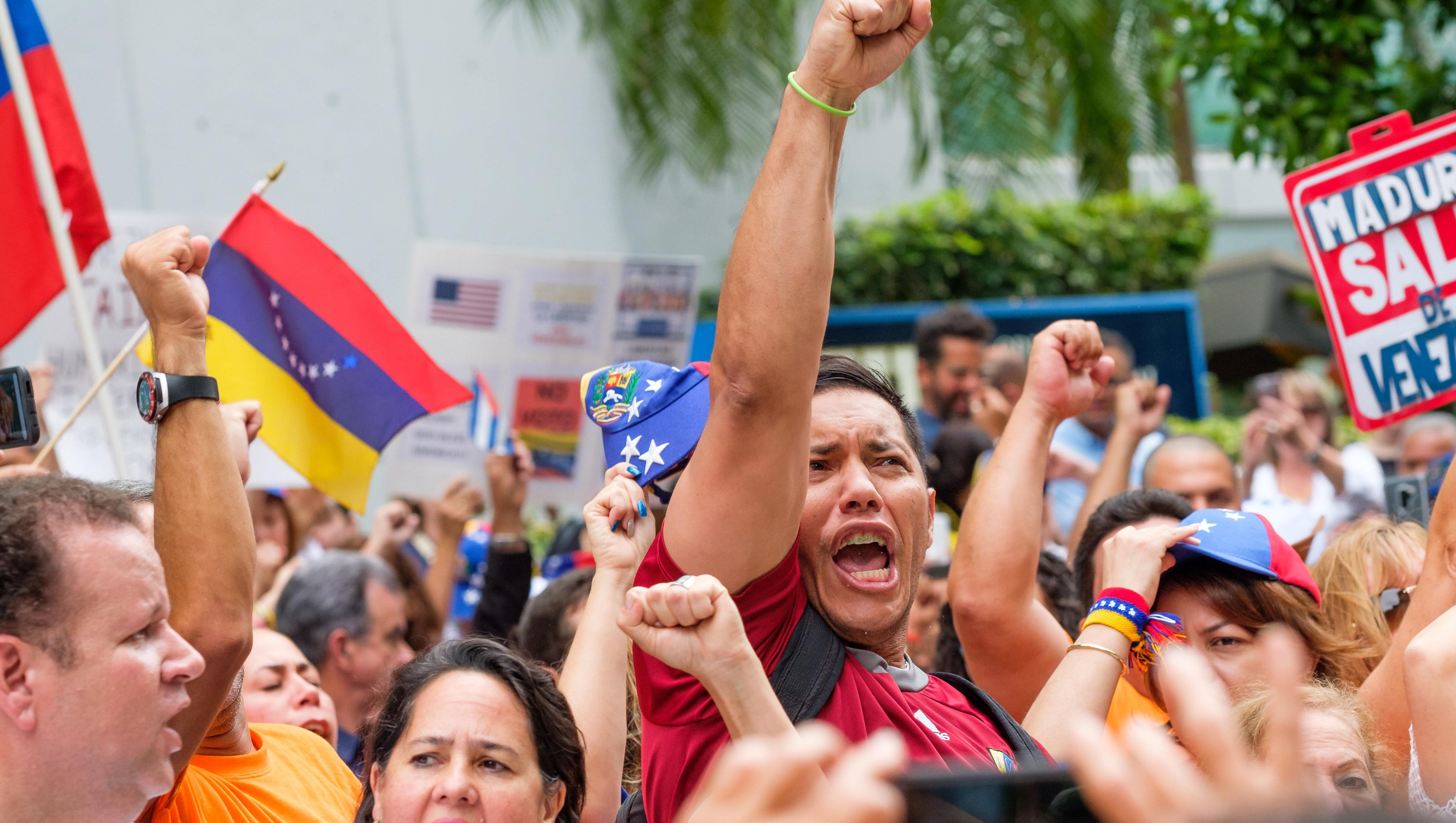 """El chavismo habla de """"fiesta electoral"""", aunque parte del país eligió no votar."""