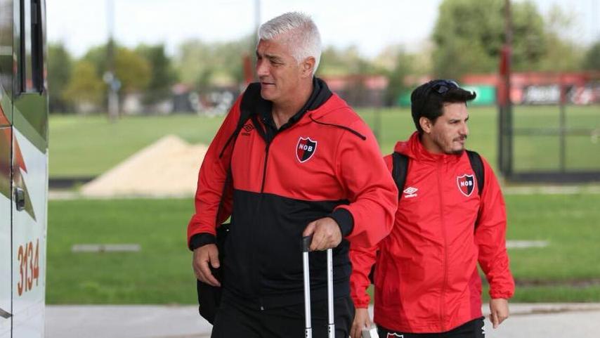 El entrenador podría dejar el club si no llega a un acuerdo con los dirigentes. (Foto: NOB)