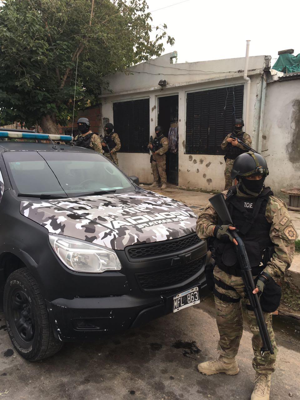 El operativo dejó como saldo 13 detenidos.