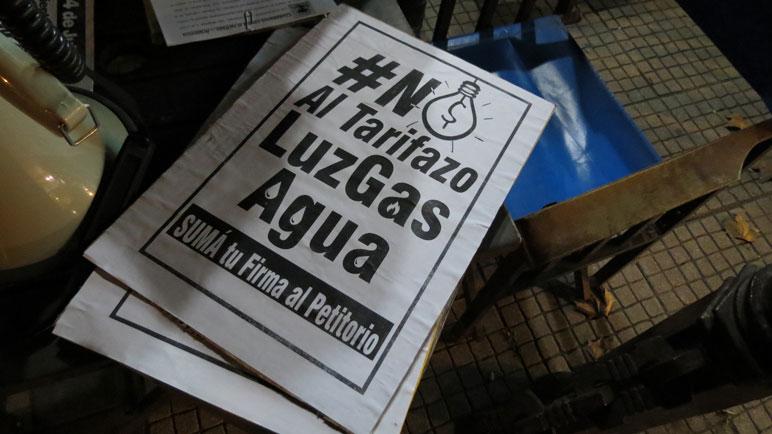 Postales de un pasado reciente. En Casilda se protesta contra el tarifazo.