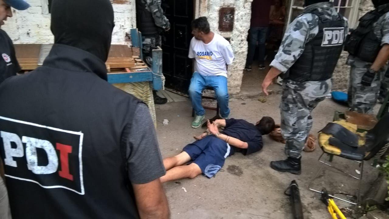 Varios detenidos en los allanamientos (Juan José García)