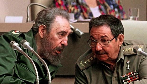 Fidel y Raúl Castro, previos gobernantes de Cuba.