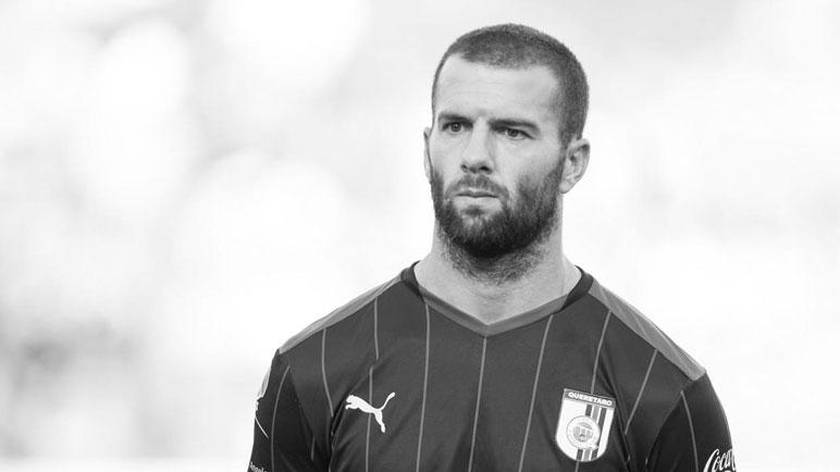 Tito en blanco y negro. Emanuel Villa culminó su carrera profesional.