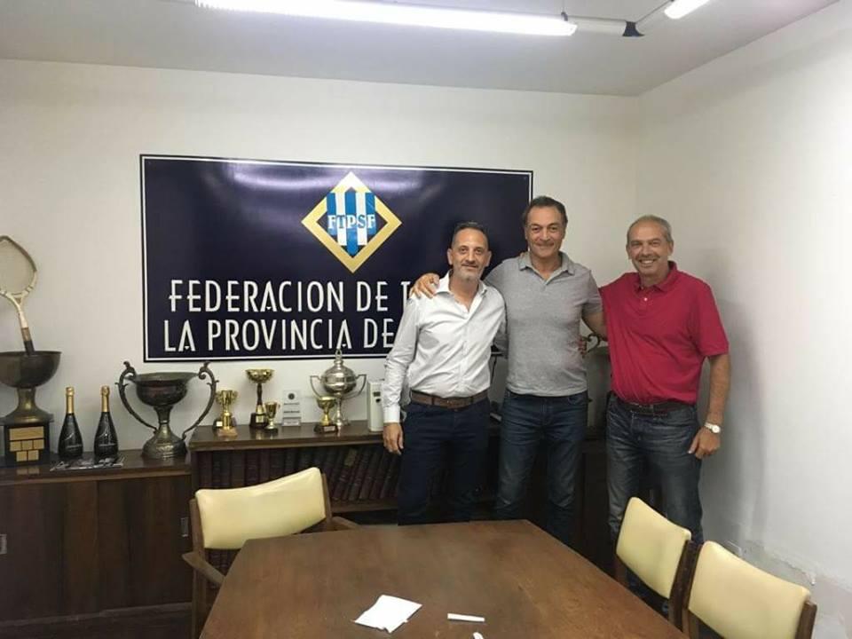 Clerc, candidato oficialista, pasó por Rosario