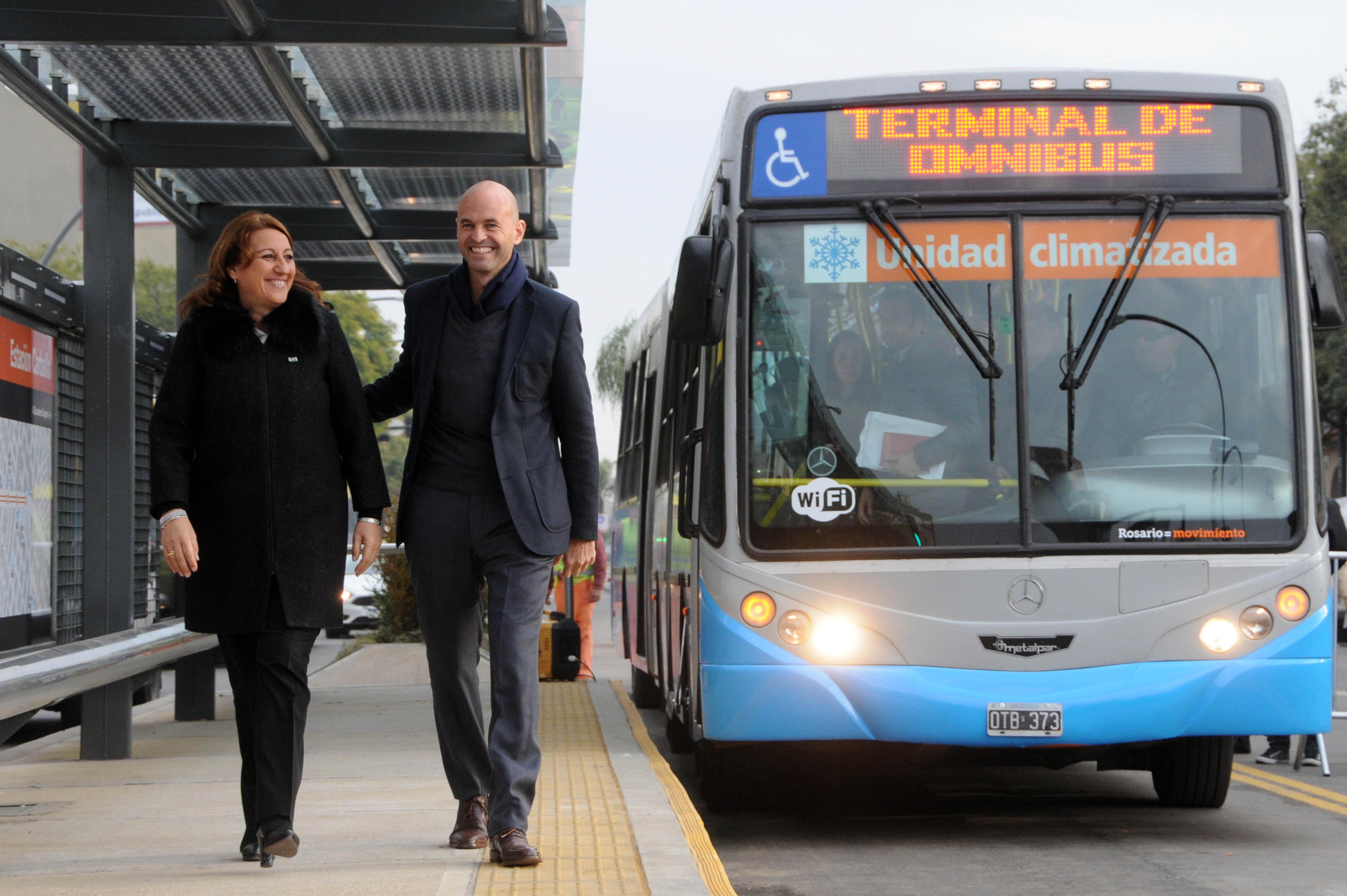 Fein y Dietrich en la inauguración del primer tramo del .Metrobus