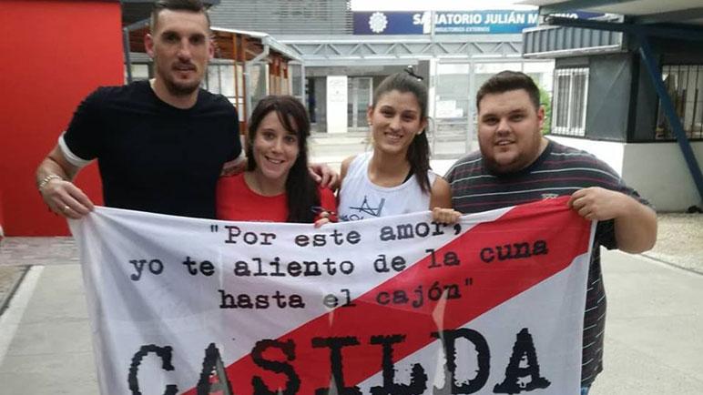 Armani y los fanáticos millonarios, este martes en las calles de Casilda.