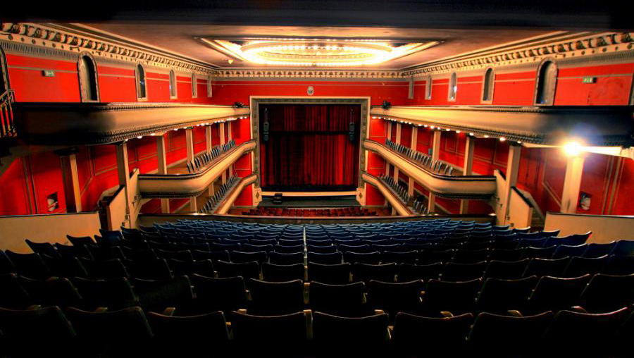 Un repaso por la historia del teatro local
