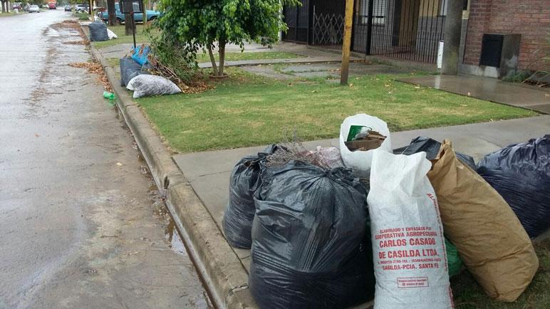 Los vecinos de Nueva Roma B hablan de 20 días de acumulación.