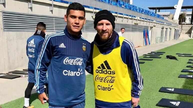 Cabrera y la postal de su vida. Entrenando al lado de Lionel Messi.