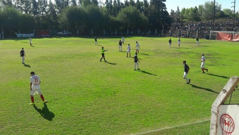 Belgrano ganó en el Chiquito Domínguez y ahora es puntero.
