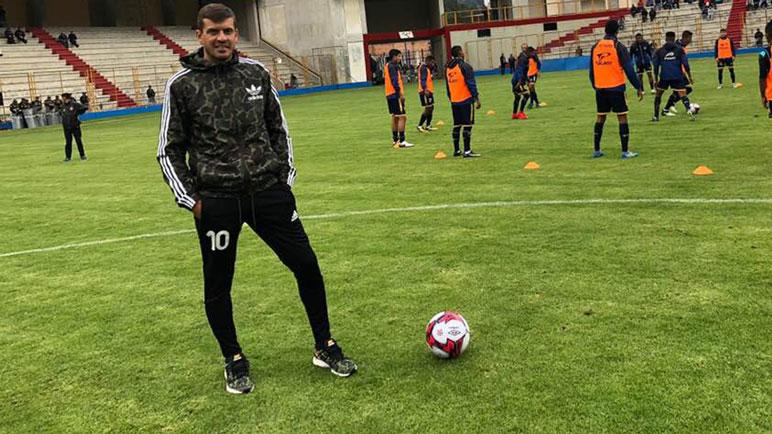 Godinovic estuvo en Perú y regresó para comenzar su carrera como DT.