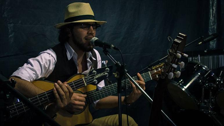 El guitarrista Hugo Frattín será el primer músico premiados en los Magaldi de Oro.
