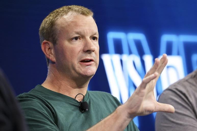 Brian Acton, el que quiere matar a Facebook.