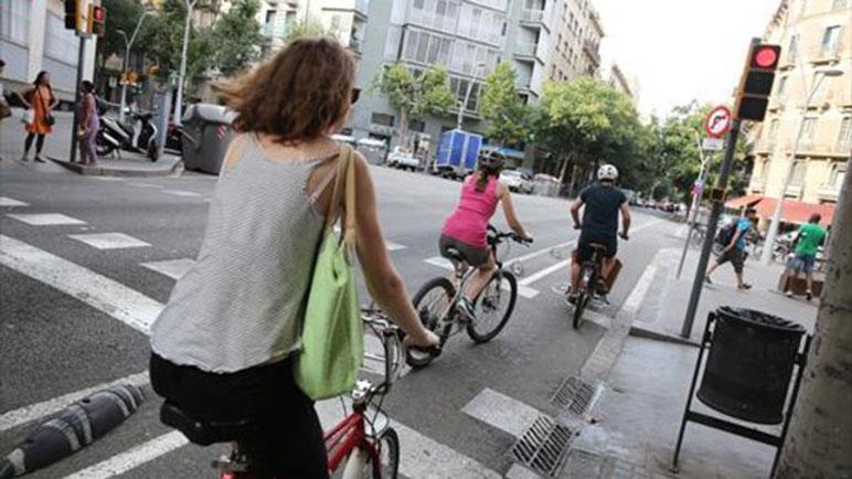 Los ciclistas suele tomarse licencias y cometen reiteradas infracciones.
