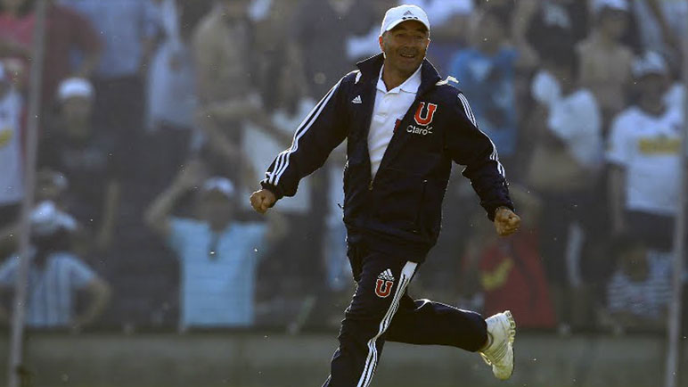 Sampaoli en su paso por la U de Chile. Ganó todo y sus hinchas lo aman.