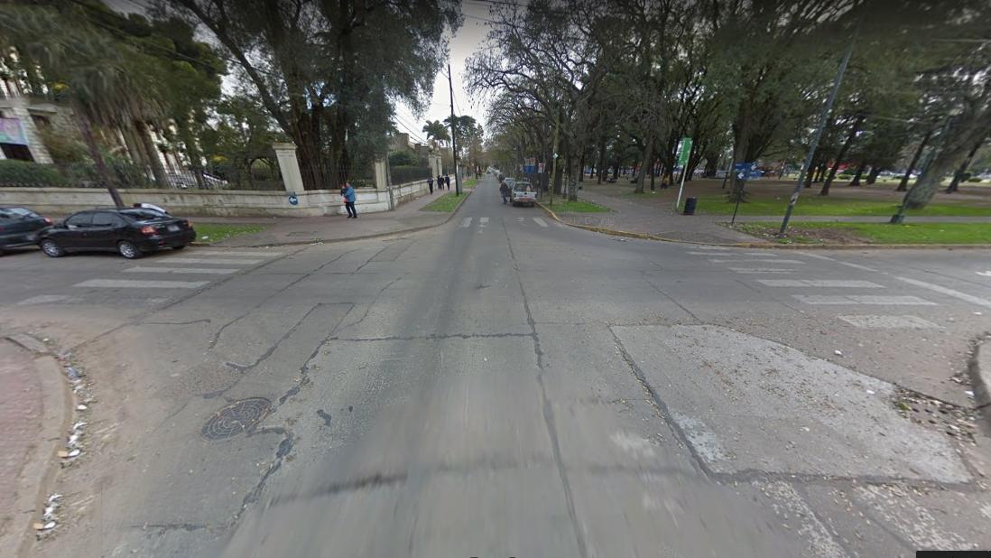 Intersección de las callesHerrera y Warnes, donde ocurrió el choque. (Foto: Google Street View)