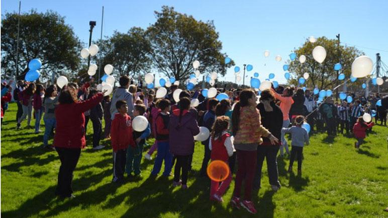 Los socios de Aprendices festejando el Centenario. ¿Dejarán de ser dueños?