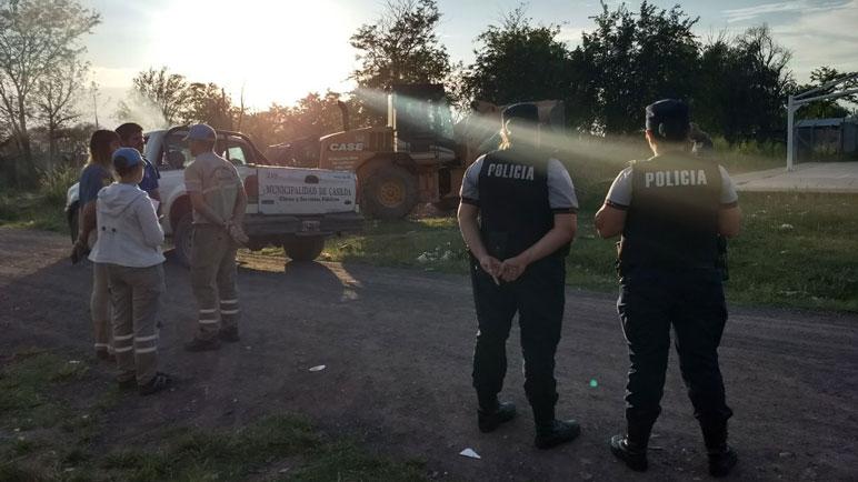 Las fuerzas de seguridad acompañaron a los municipales en Nueva Roma D.