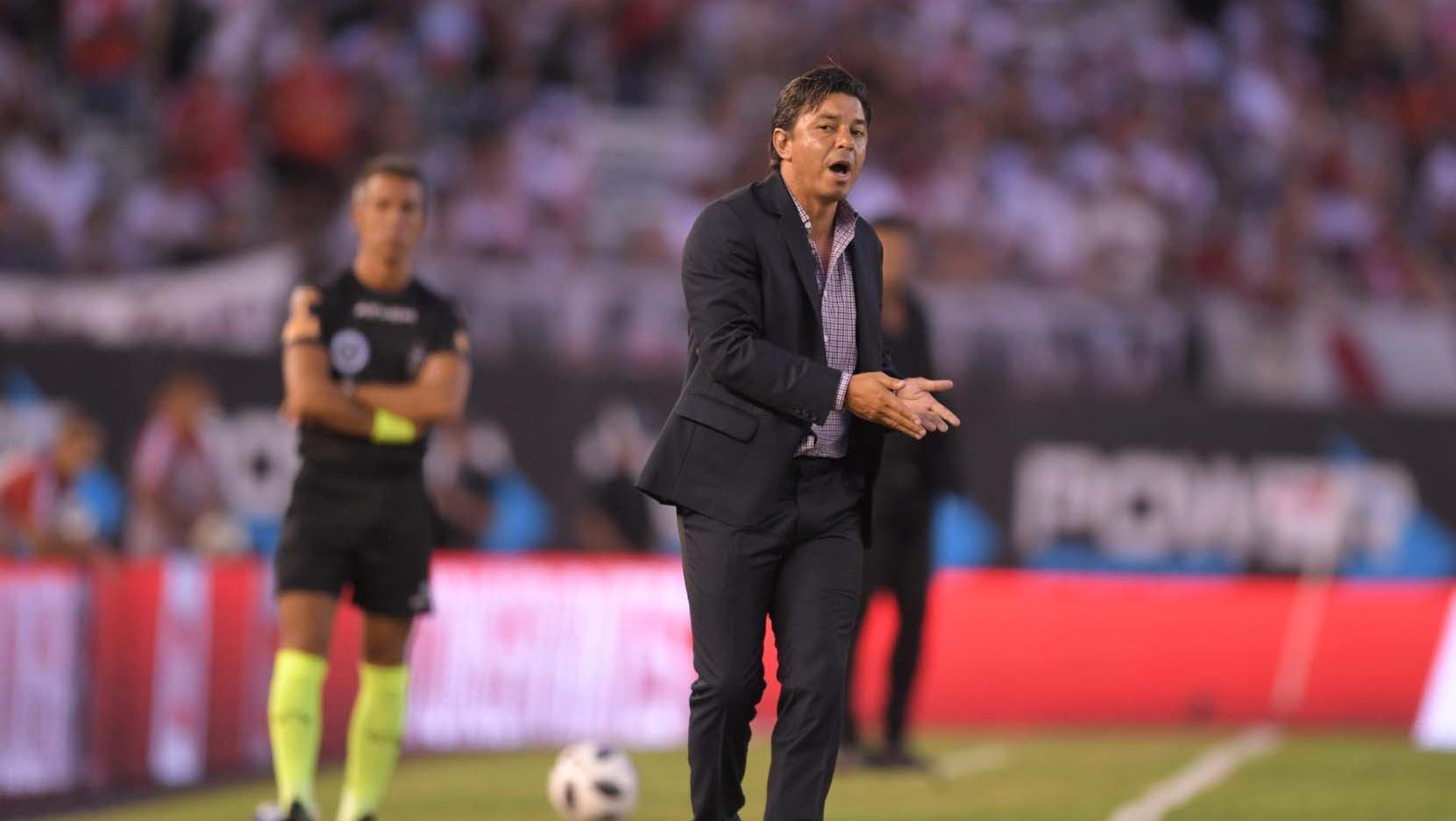 Gallardo volvió a quejarse de los árbitros