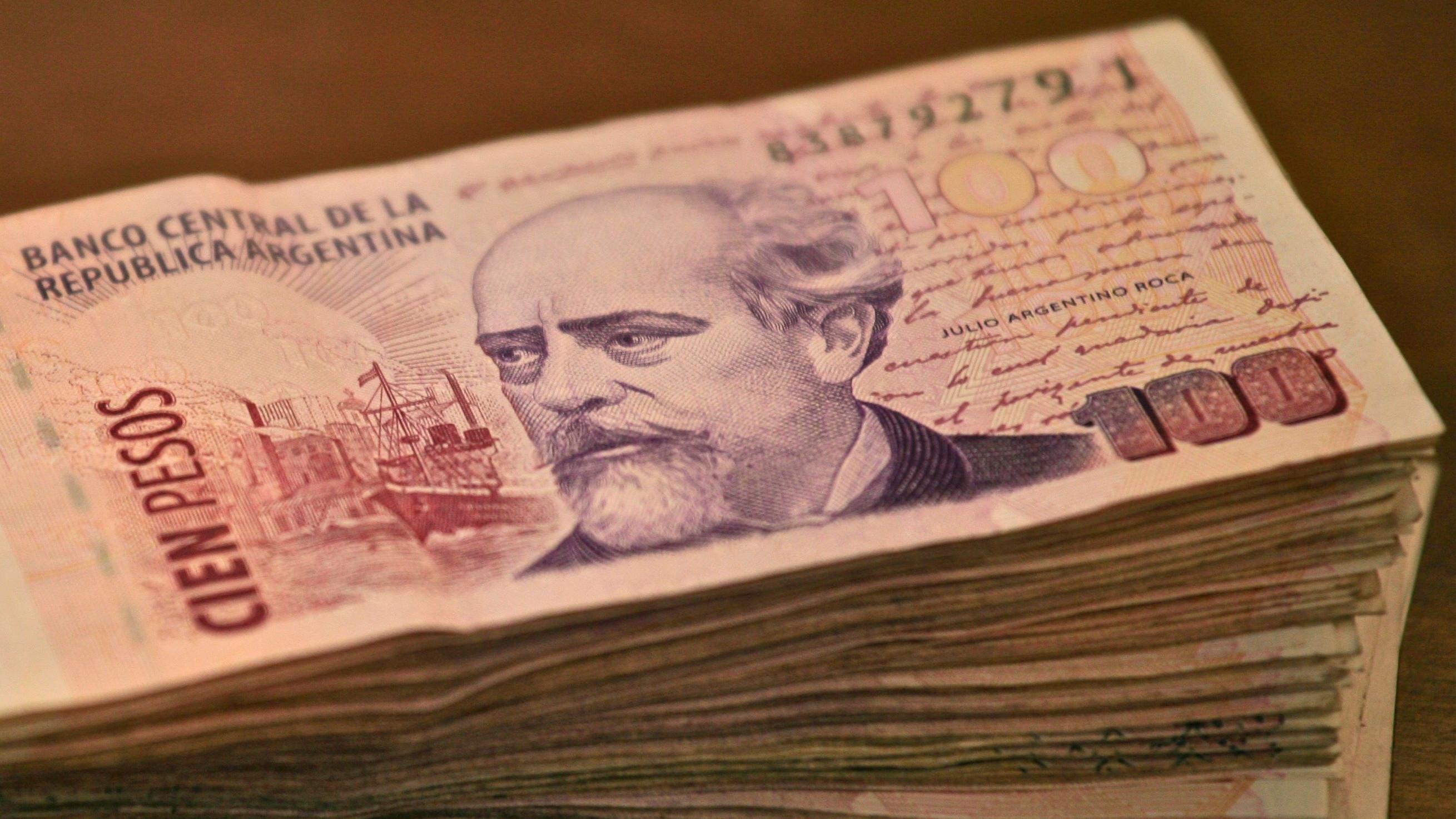 Nación pagará bono de fin de año a estatales y pone en aprietos a la Provincia