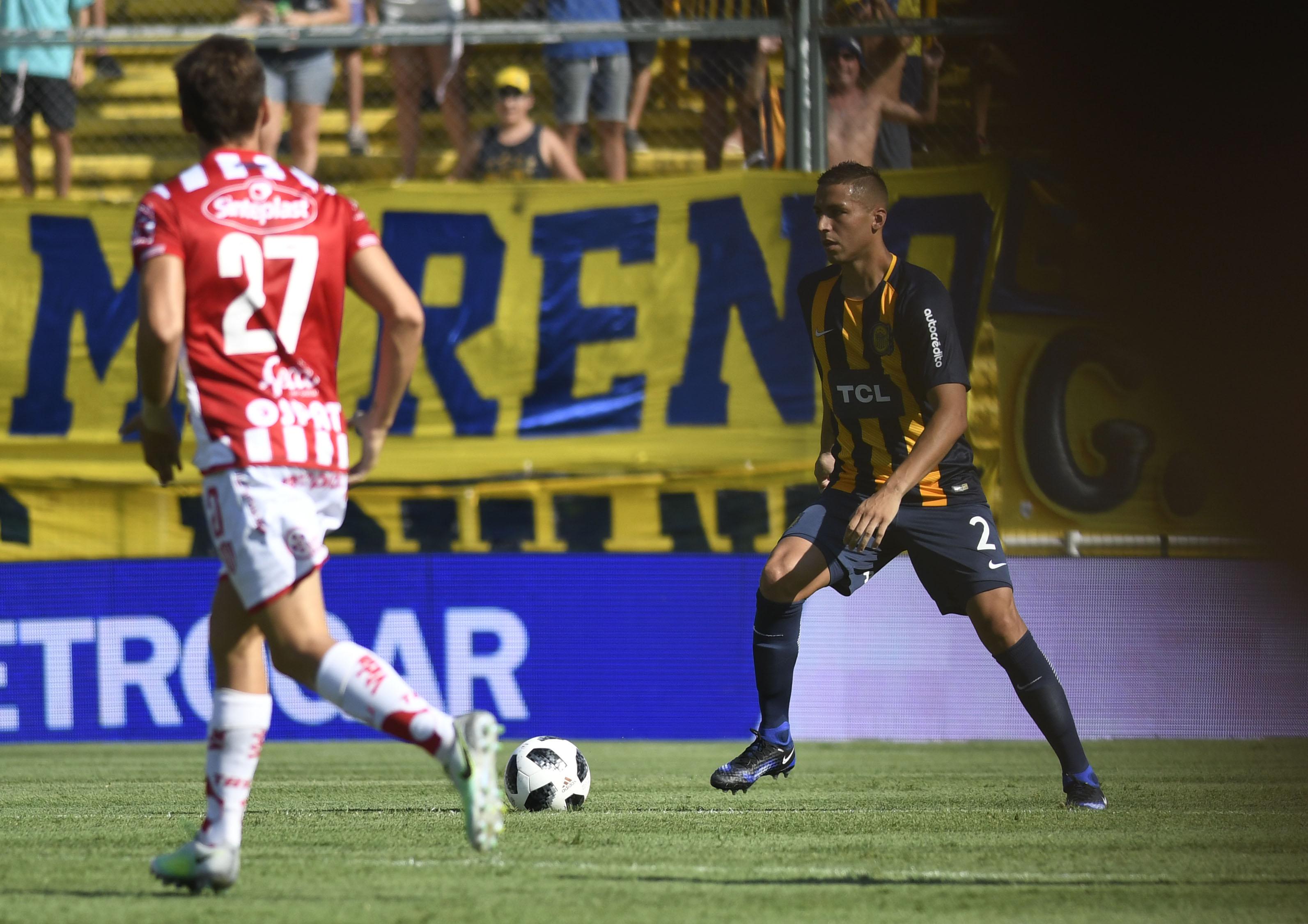 El defensor marcó el gol del triunfo (Foto: Juan José García)