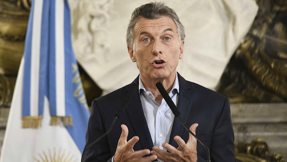 Macri prepara un recorte en cargos del Estado