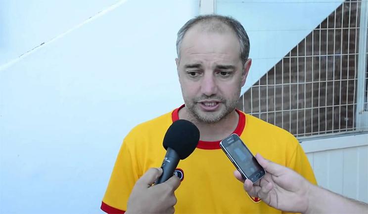 Ariel Damato inició su nueva etapa con triunfo para el Expreso Rojo