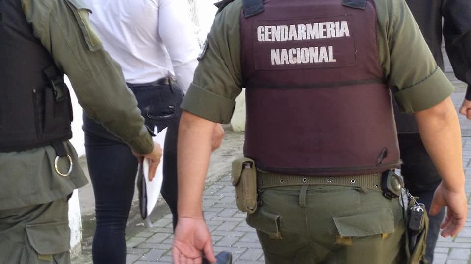 Franca Bonifazzi habló de gendarmes.El Jefe Blaser dijo que actuaron policías locales.
