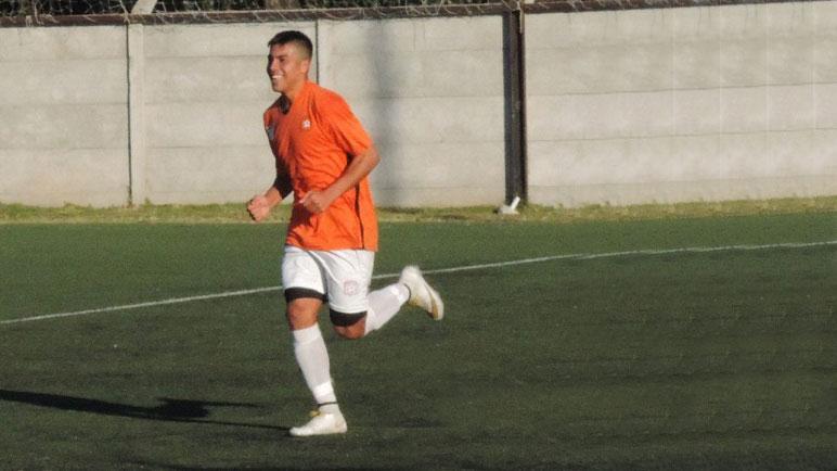 Franco Rivas se formó en ADIUR y viene de ser campeón en Unión de Totoras