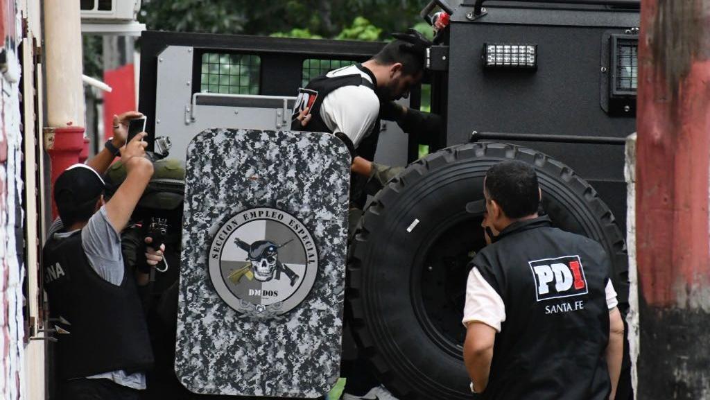 Gendarmes y policías santafesinos, juntos en la detención de Funes.