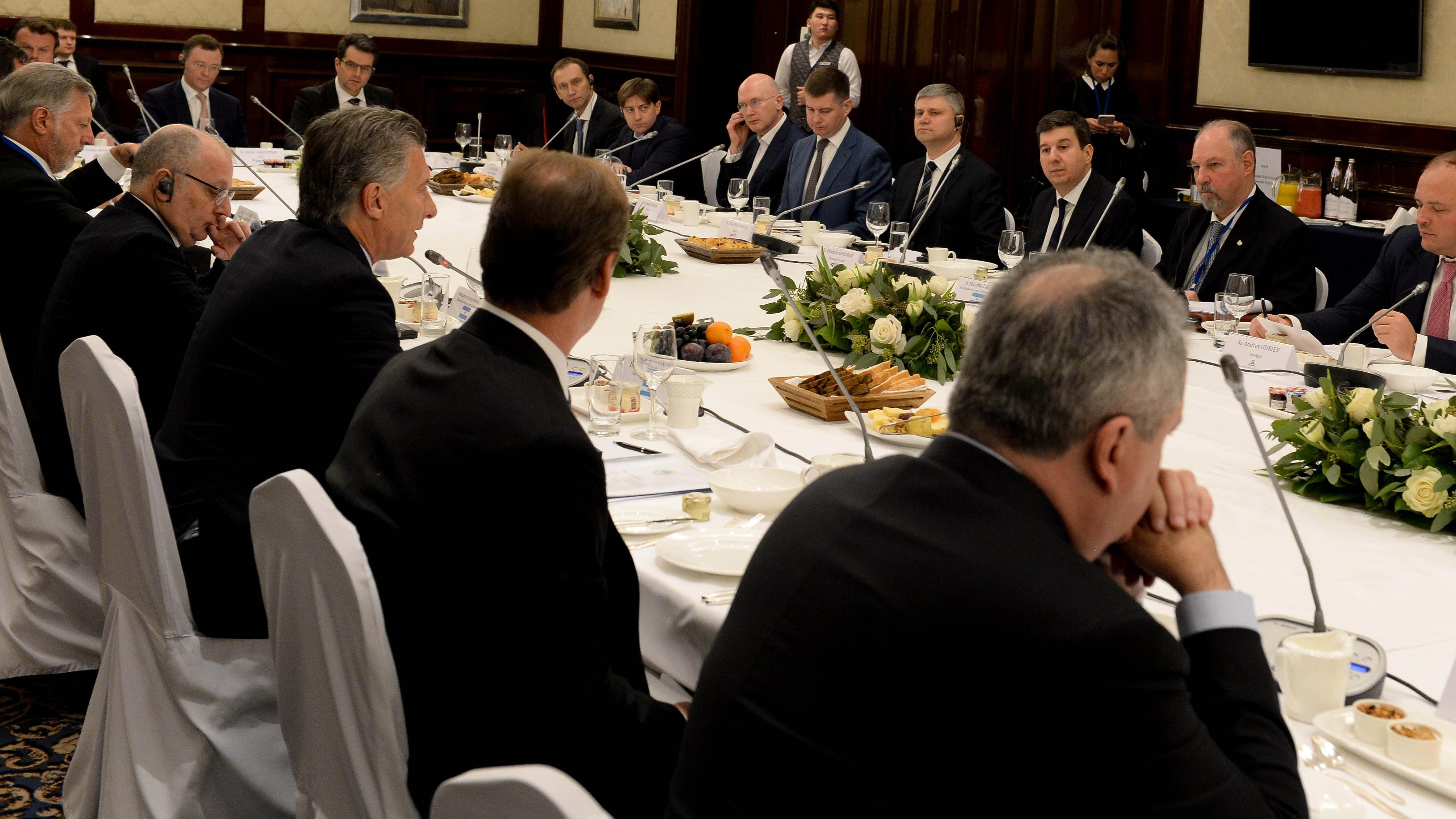 El presidente se reunió con empresarios rusos. (Foto: Télam)