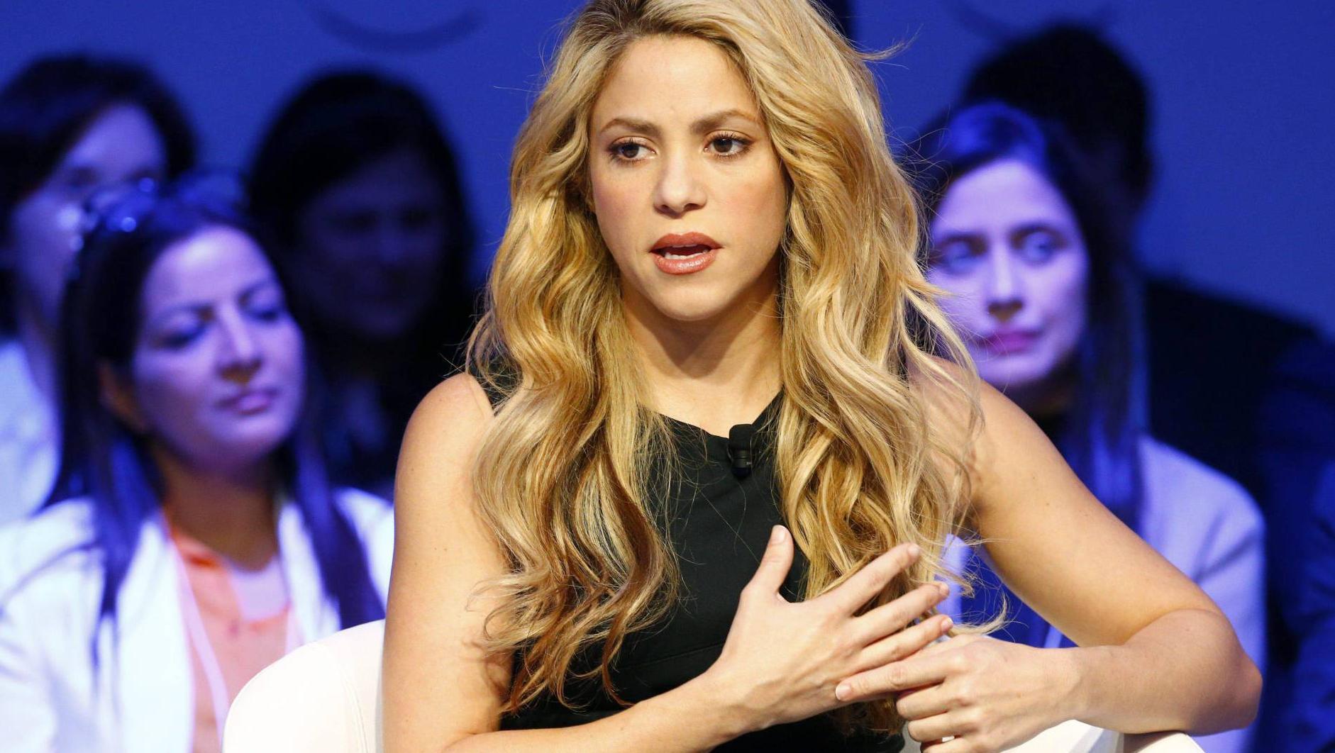 La cantante colombiana pospuso su gira hasta el año que viene