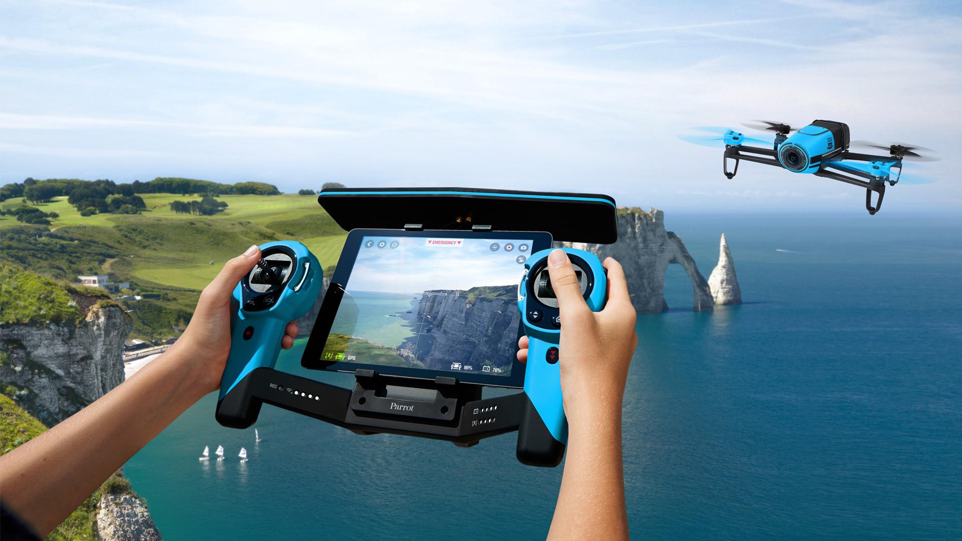Algunos vecinos de la ciudad asegruaron ver drones sobrevolando sus patios.