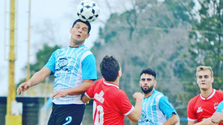 Argentino defiende el título que obtuvo ante su clásico rival.