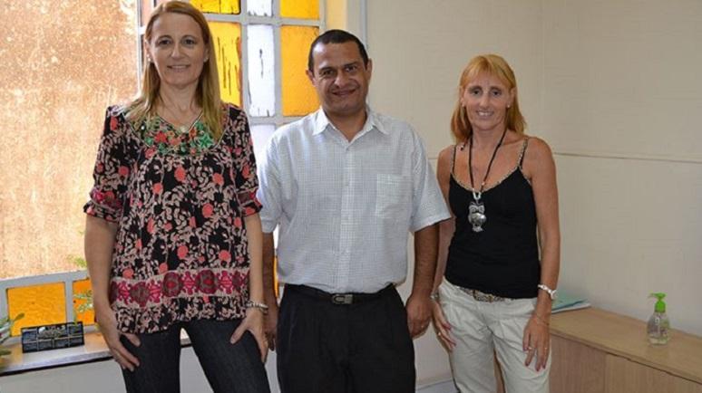 Patricia Ferraretto, subsecretaria Legal y Técnica, junto a Ariel Acosta e Isabel Acciarini.