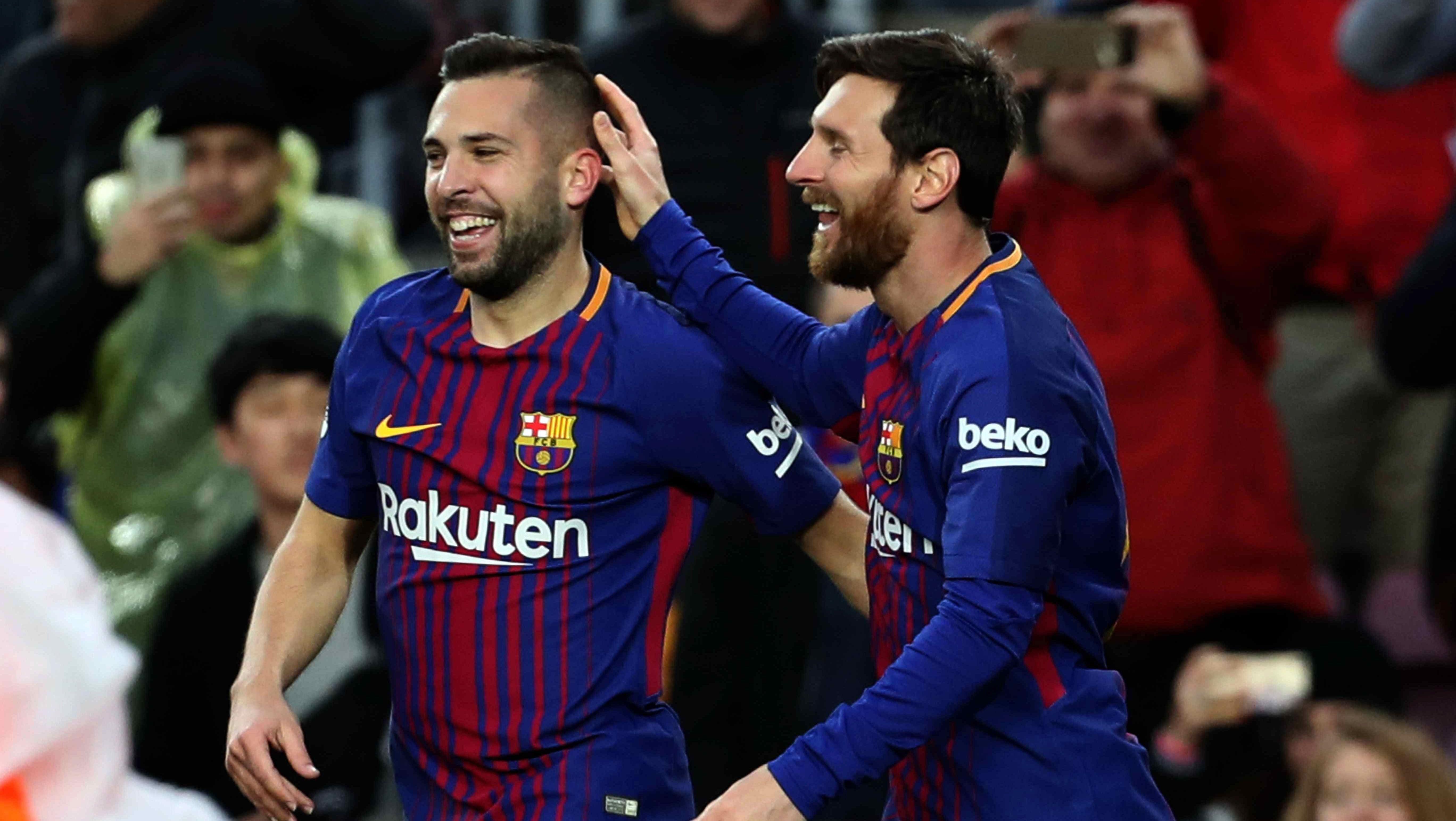 Messifesteja con Jordi Alba tras el primer gol (EFE)