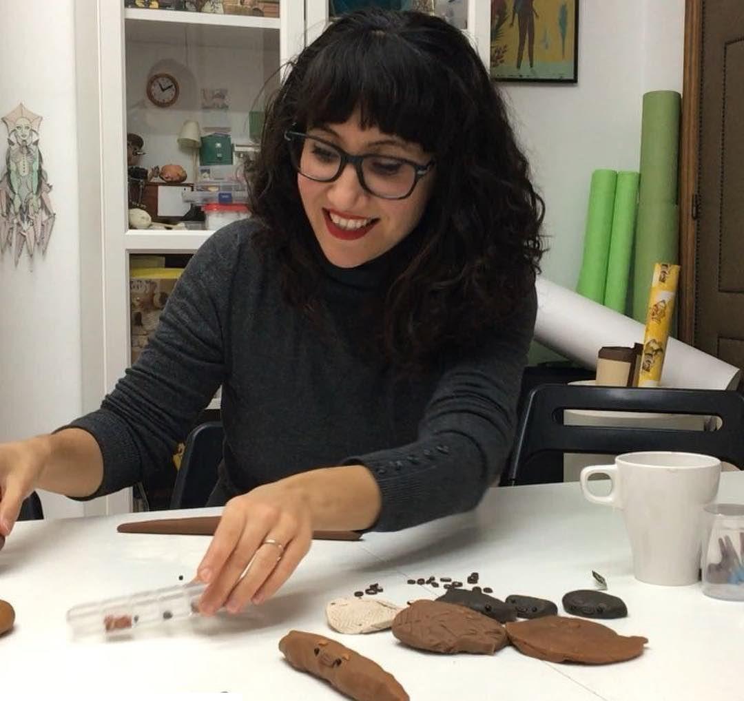 Lula Gómez con sus creaciones de plastilina(Instagram)