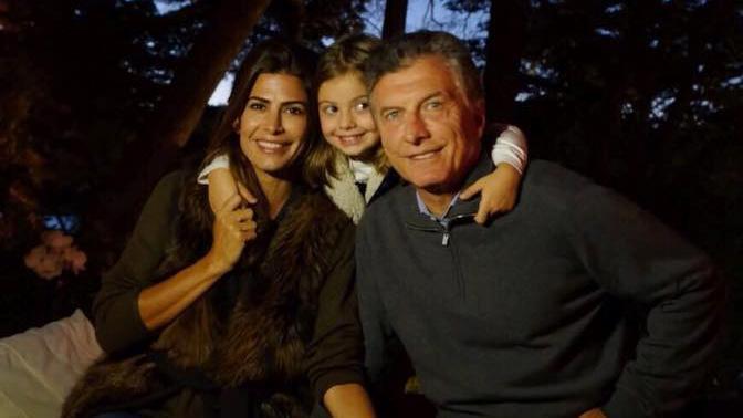 Macri junto a su mujer y su hija pequeña
