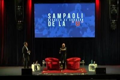 Jorge Sampaolirecibió el cariño de los hinchas de la U.