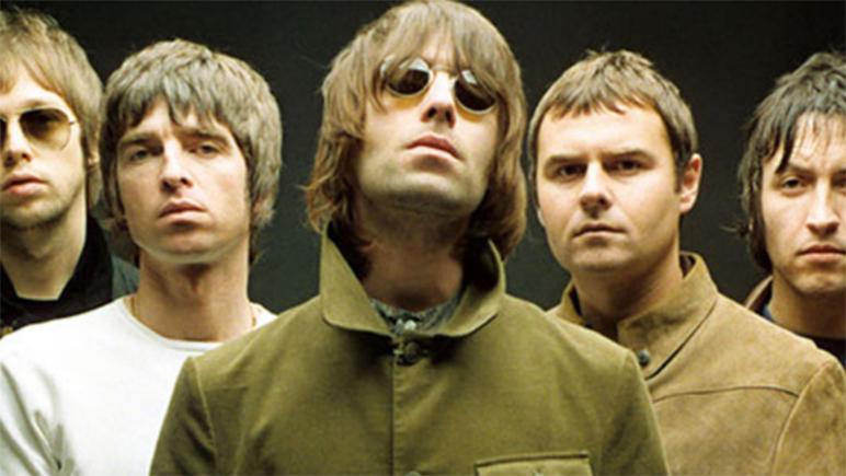 Oasis podría volver si sus dos principales integrantes mantienen la buena onda navideña