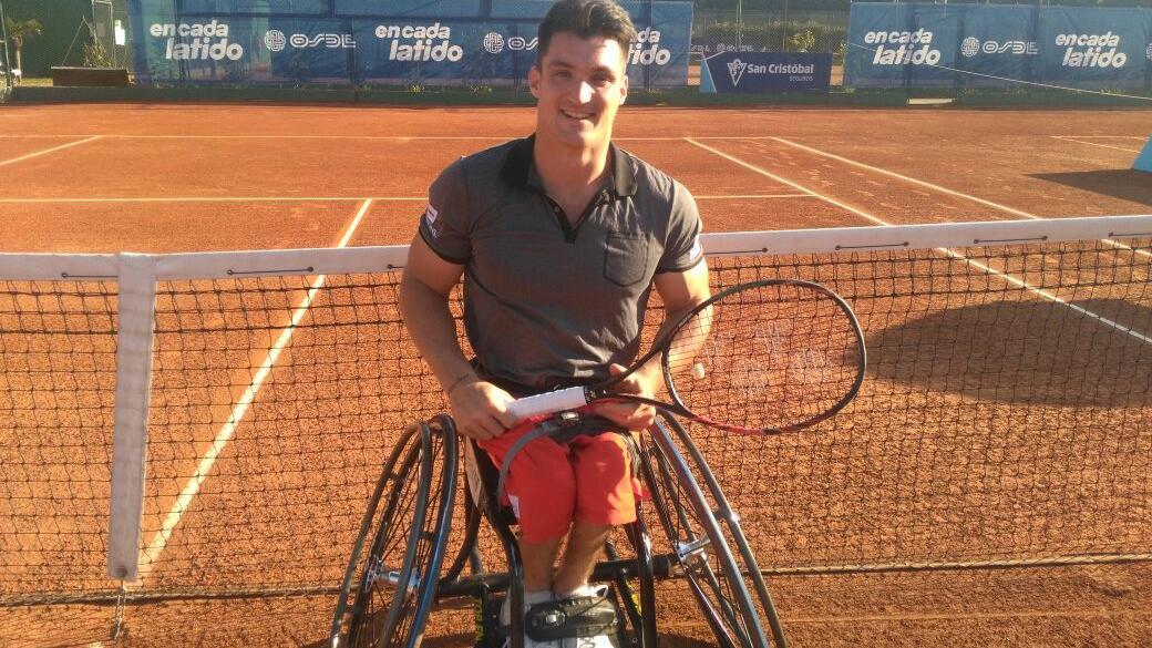 El mejor jugador del mundo de tenis adaptado, Gustavo Fernández.
