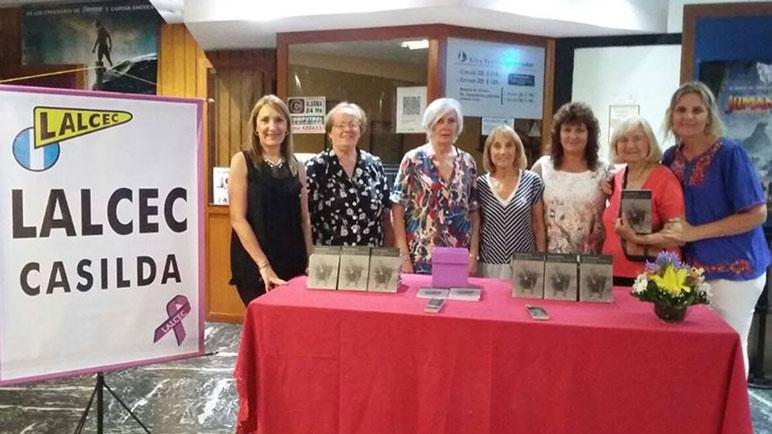 Las integrantes de Lalcec Casilda en la presentación del libro.