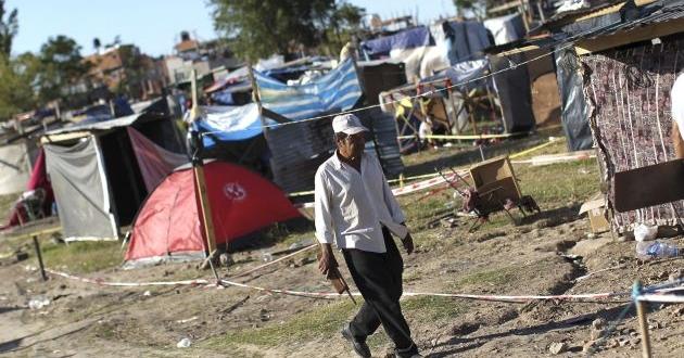 Hay algo menos de pobres que en 2015, pero ahora son más pobres que antes.