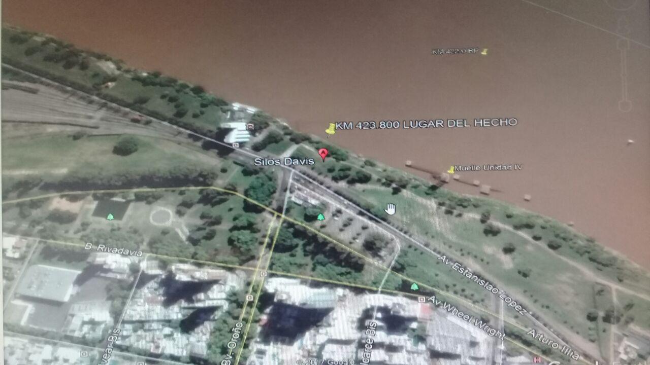 La ubicación donde cayó el joven buscado en el río (Gentileza: Prefectura Naval Rosario)