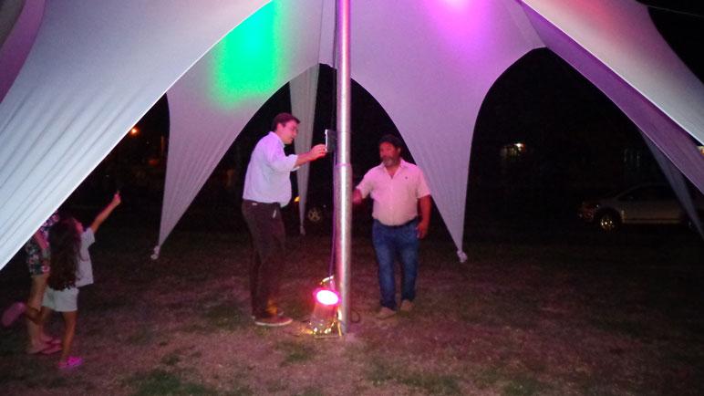 Las luces del Arbolito de Casilda se encendieron a las 0.01 del viernes.