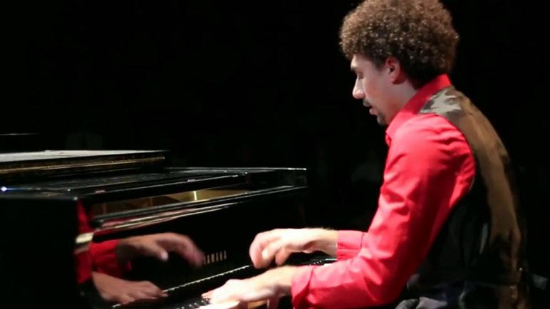 Joel Tórtul toca este martes en Rosario tras llevar su música por el mundo.