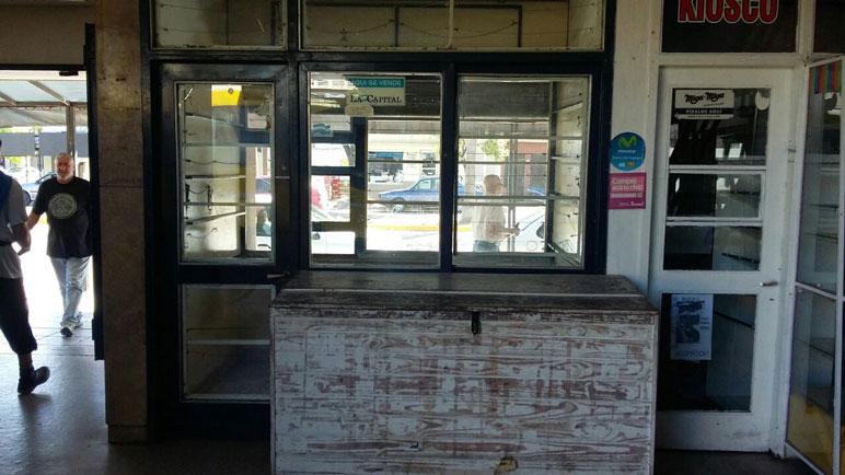 No hay más kioscos en la terminal y los locales quedaron vacíos.