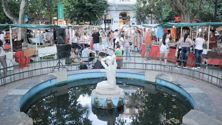 Propuestas culturales varias para vivir la plaza a pleno.