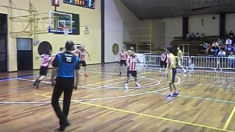 Gimnasia no dio ventajas en Rosario. Alumni sufrió ser visitante.